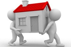 Два человека несут дом